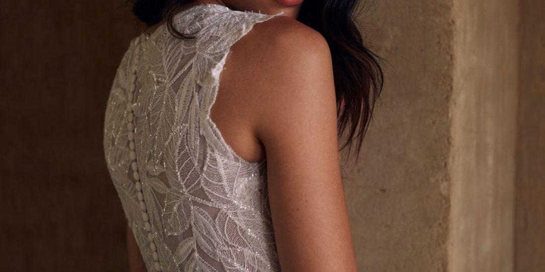 brautatelier ried-Evie Young-Brautkleid-Lake-EY065-Ivory Mocca-Rücken-Detailansicht-2-min