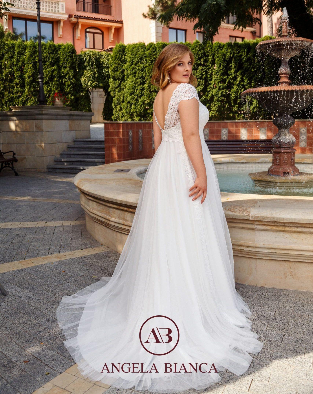 brautatelier ried-angela bianca-brautkleid-1023-curvy-vintage-spitze-ruecken-1-min