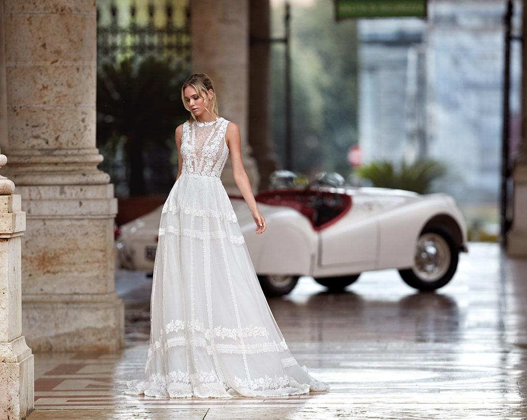 brautatelier ried-nicole milano-pronovias group-NI12125-brautkleid-ivory-couture-vintage-spitze-panorama-1-min