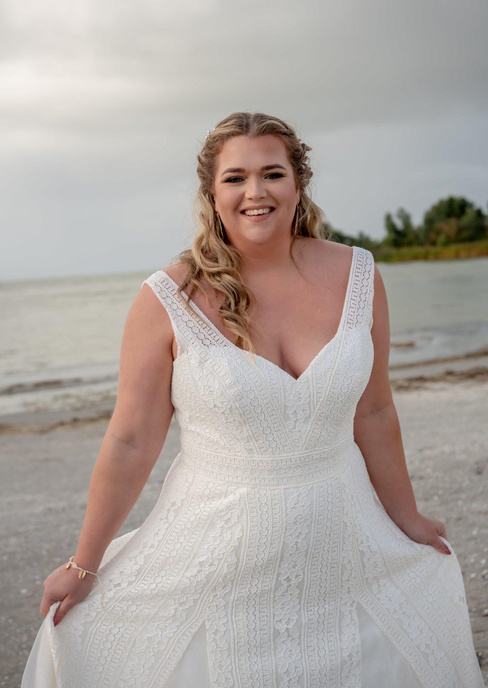 brautatelier ried-curvy bride collection-bridalstar-Gigi-detail-1-min
