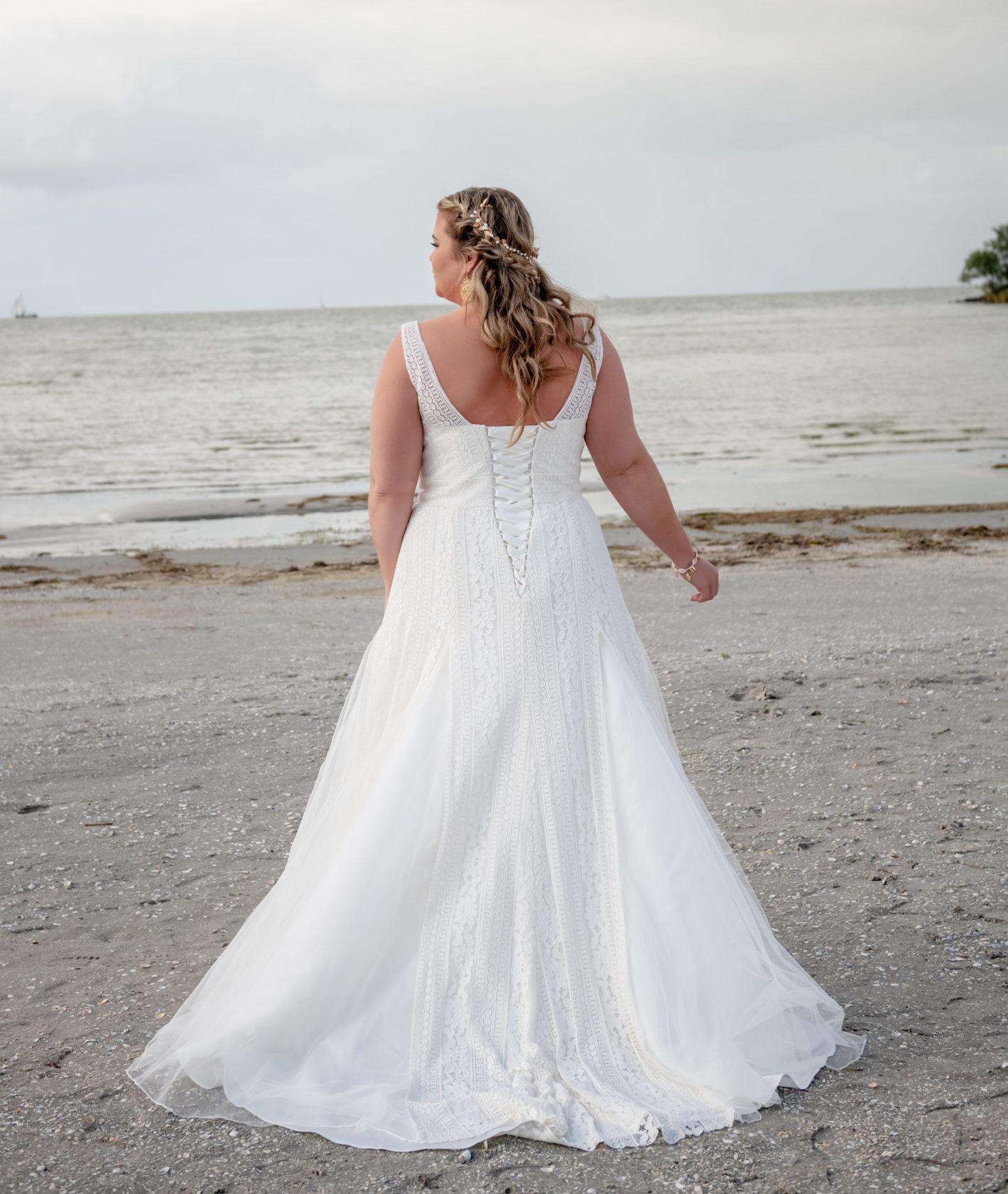 brautatelier ried-curvy bride collection-bridalstar-Gigi-ruecken-1