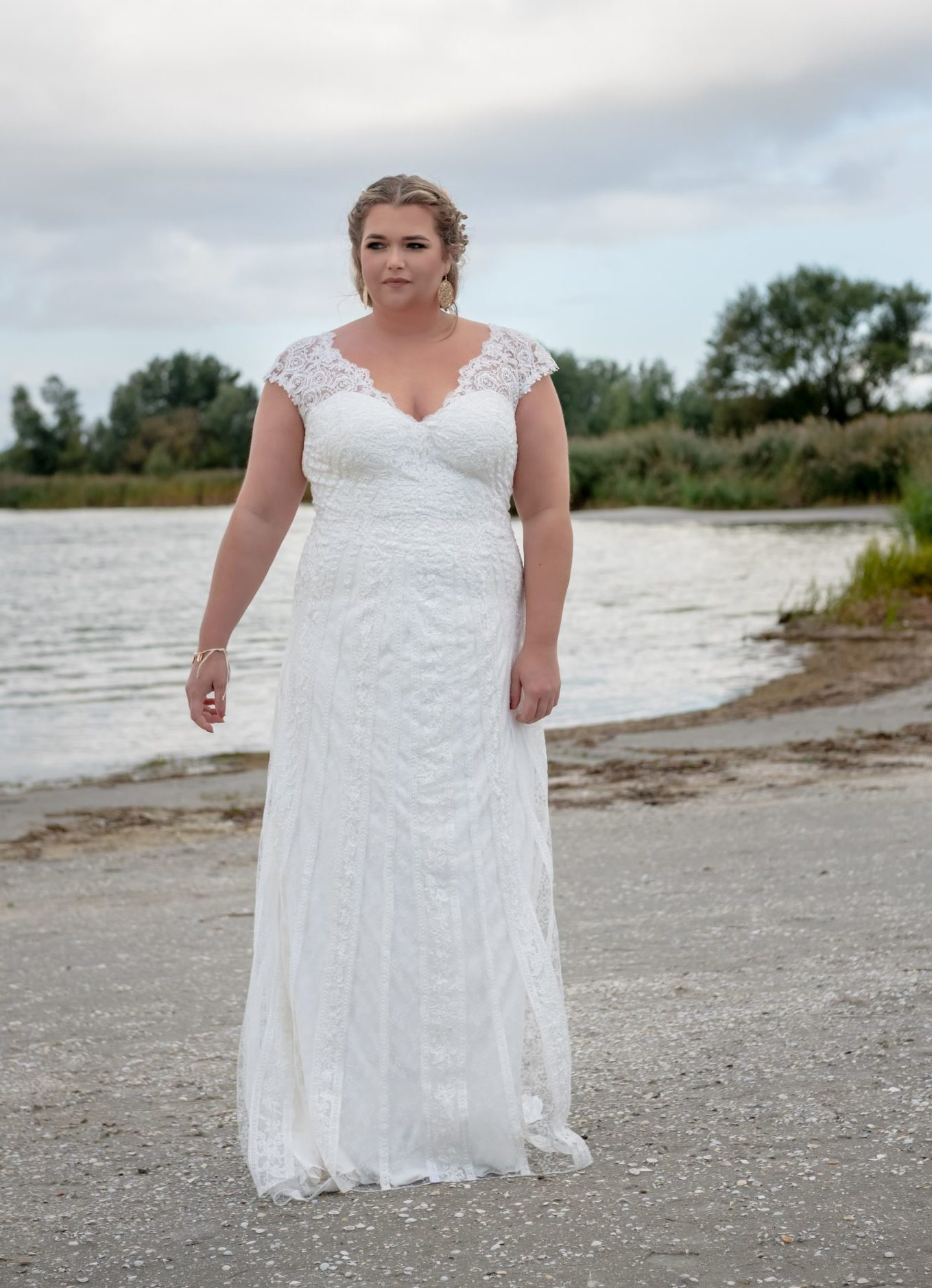 brautatelier ried-curvy bride collection-bridalstar-Glennis-fit and flair-vorne-1-min