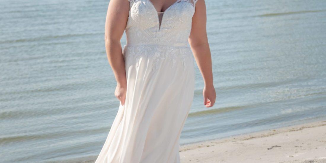 brautatelier ried-curvy bride collection-bridalstar-Guusje-vintage-vorne-1-min