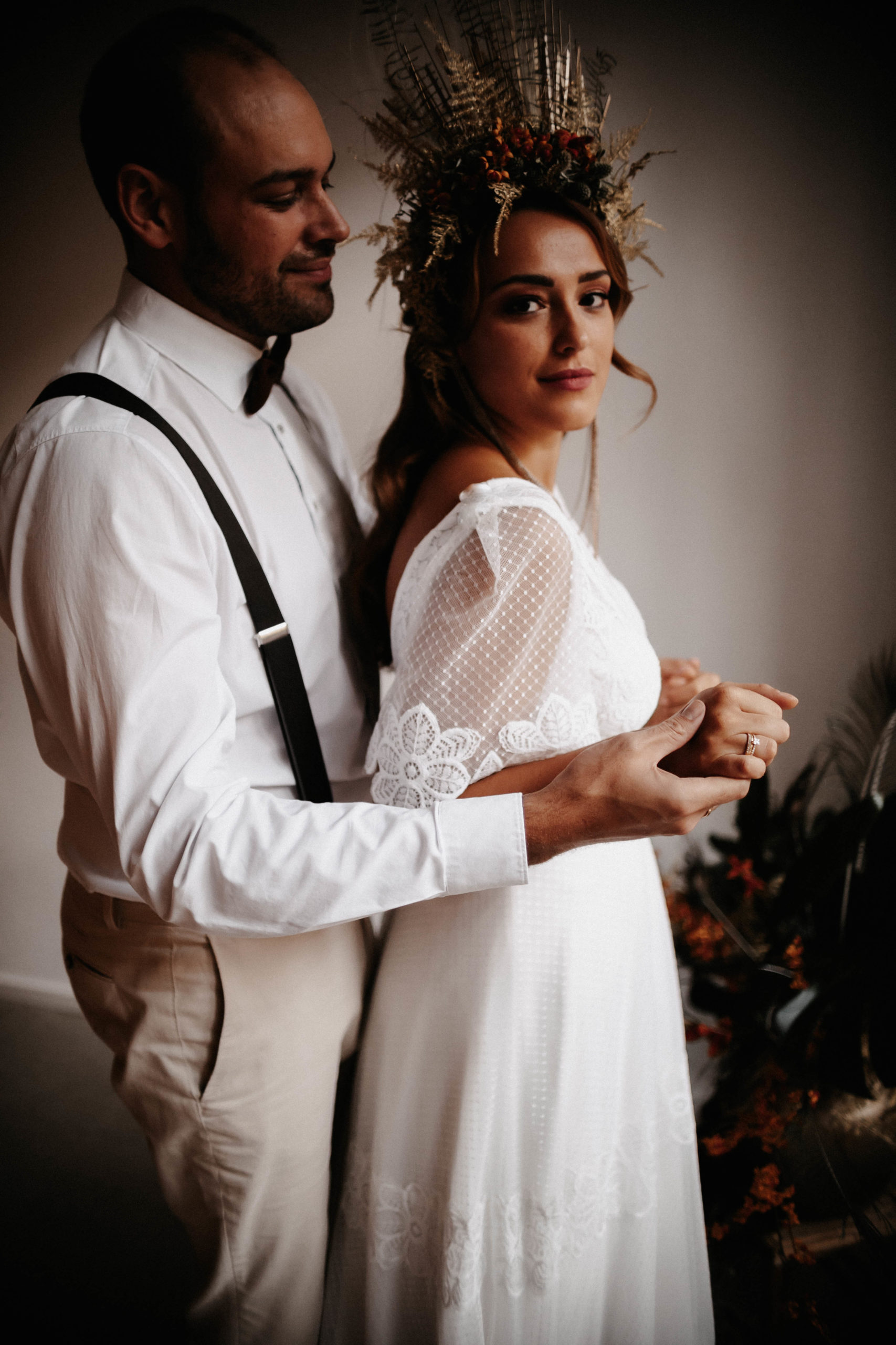 brautatelier ried-styled shooting-muenchen-couple shot-flower crown-boho-1-min